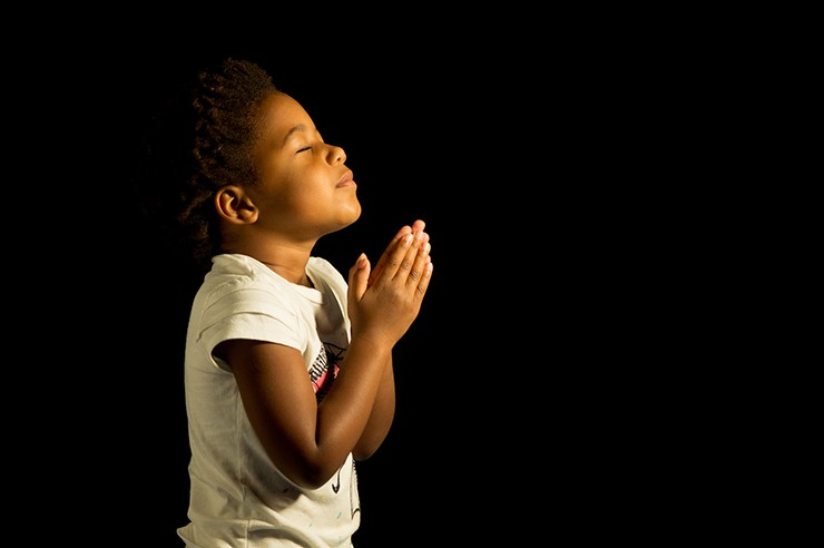 Praying-African-American-Girl-740